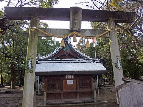 Snow_shrine_Jan_1_2010